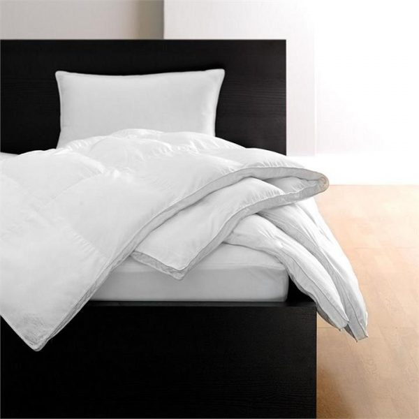 Comfy White Quilt